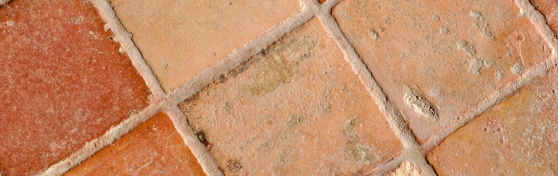 Terracotta Fliesen reinigen