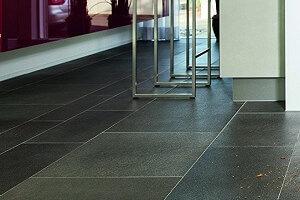 Fußboden Fliesen Putzen ~ Bodenfliesen reinigen fliesen reinigen und wischen und wischen